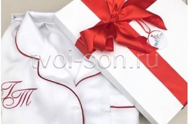 Пижама из белого тенселя с кантом и вышивкой