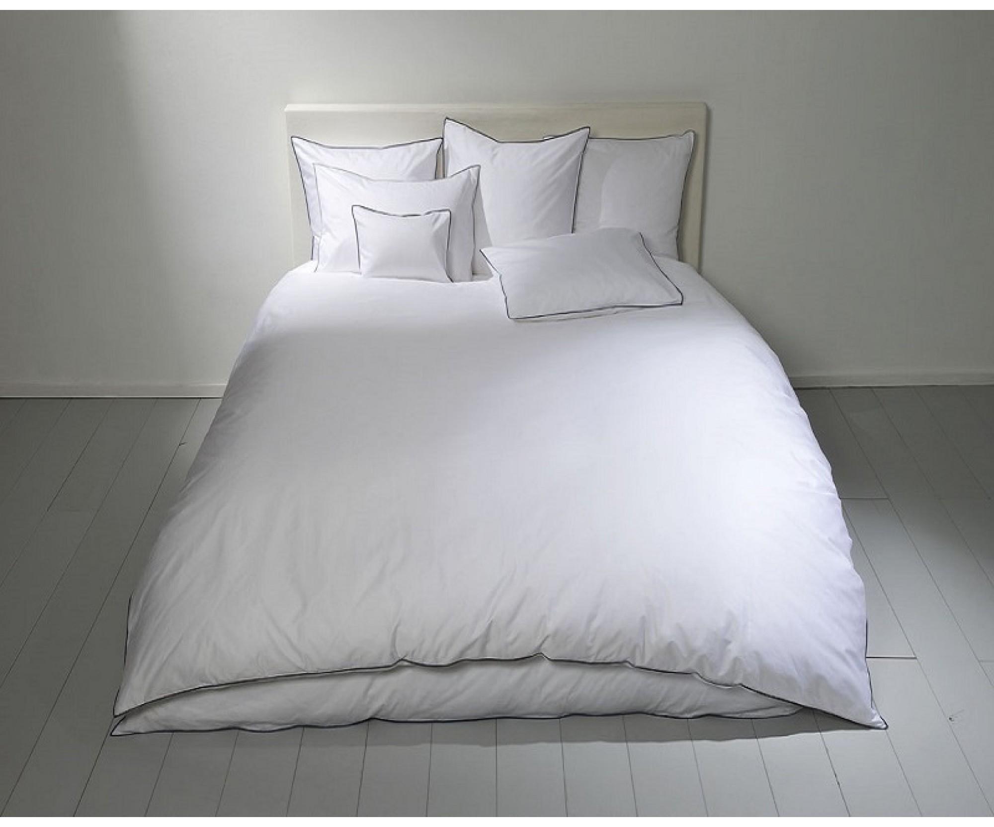 Простынь на резинке для круглой кровати  «Счастье Белое» /диаметр 220